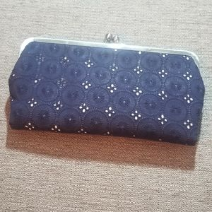 3/$20❤ Blue and white unique clutch purse